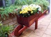 j15-wheelbarrow-planter